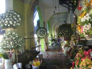 Florerías del panteón de Mezquitán