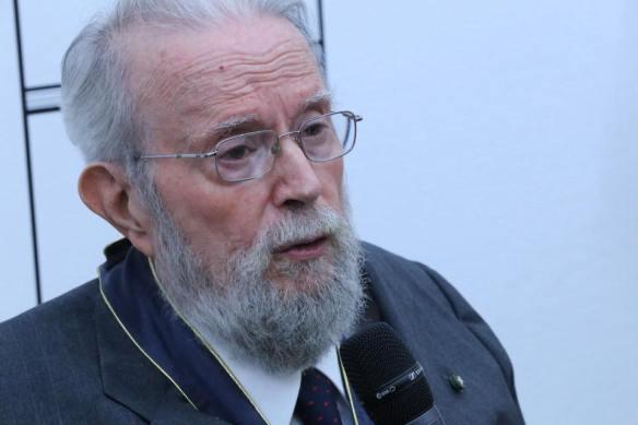 Hugo Gutiérrez Vega luego de recibir título de doctor Honoris Causa de UdeG. Foto: Alfonso Martínez.