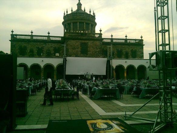Una empresa que dice organizar eventos sociales ofrece sus servicios en internet usando esa foto del interior del Cabañas. Foto: http://www.vivanuncios.com.mx/u-anuncios-del-vendedor/esequiel2004/v1u101854547p1